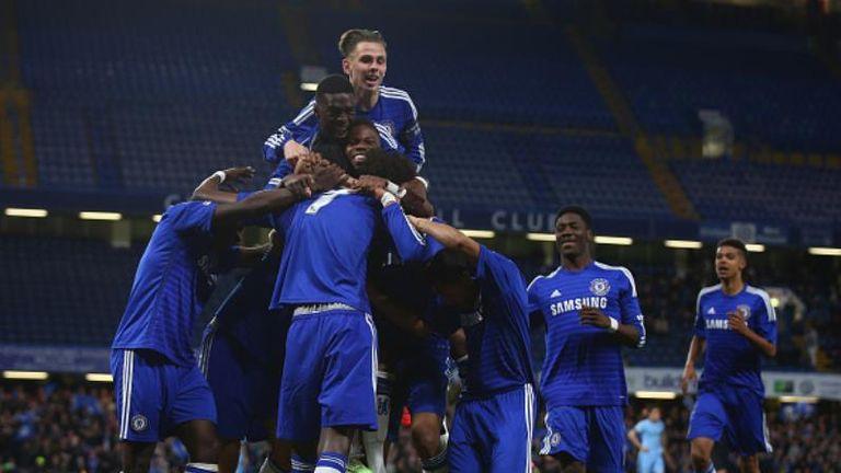 Chelsea celebrate Tammy Abraham's goal