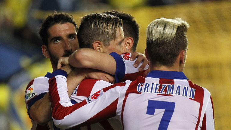 Atletico Madrid's  Fernando Torres celebrates his goal with team mates