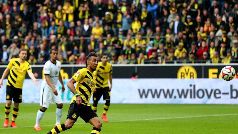Pierre-Emerick Aubameyang of Dortmund scores from the spot