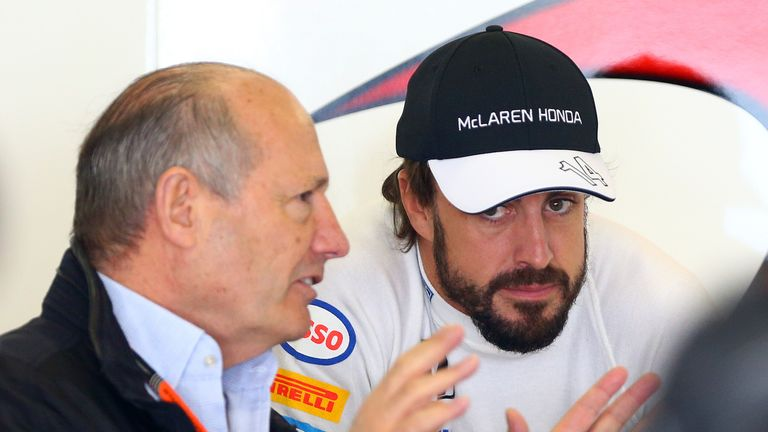 Fernando Alonso speaks with Ron Dennis