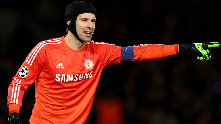 Peter Cech: Would like to move to Arsenal but Chelsea would prefer PSG deal