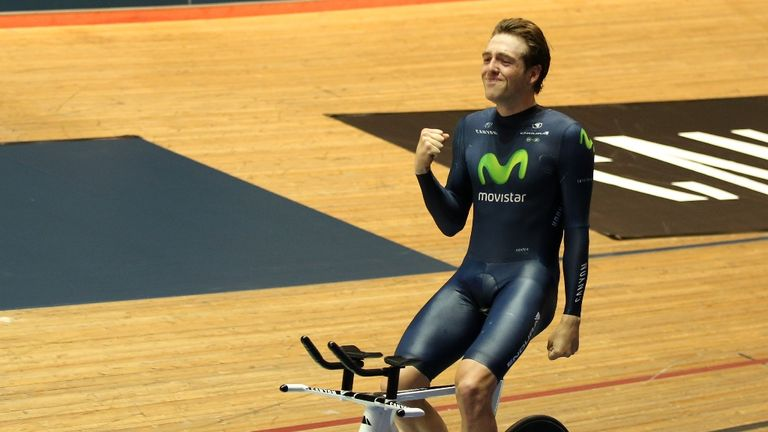 Alex Dowsett set a new hour record of 52.937km on Saturday