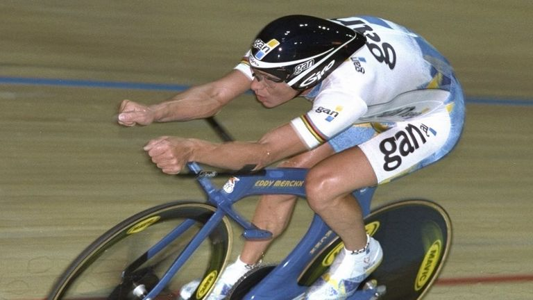 Chris Boardman adopted the 'Superman' position to be break the record in 1996