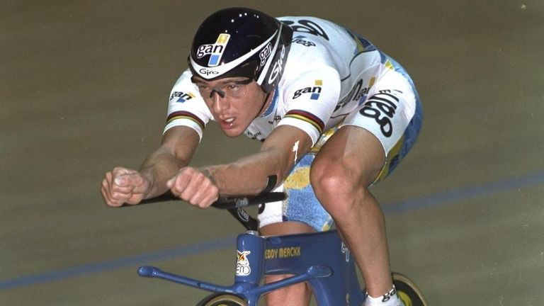 Chris Boardman's record-breaking 'Superman' bike from 1996 is now illegal