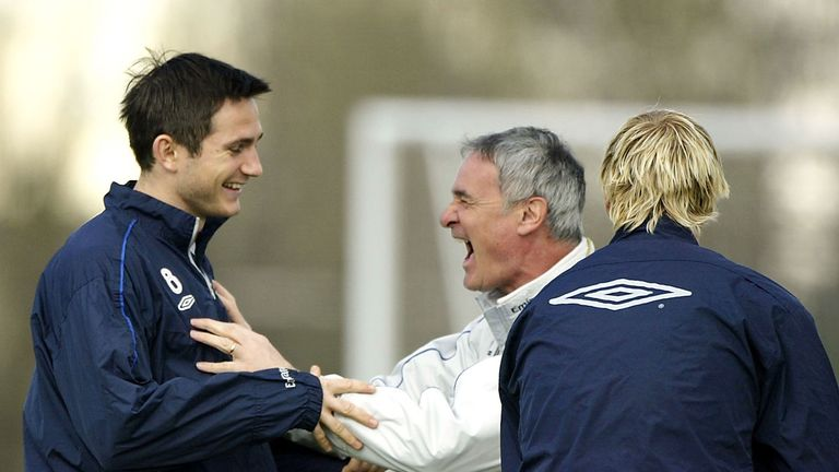 Claudio Ranieri joking with Frank Lampard during  training in April 2004