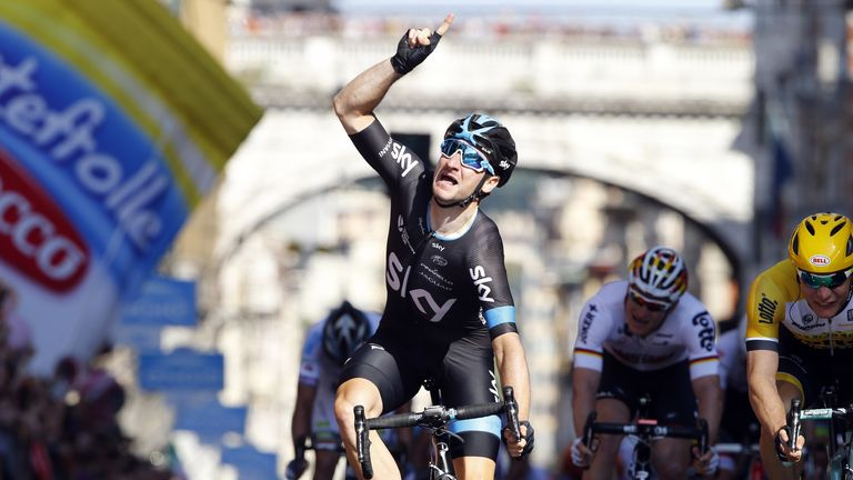 Elia Viviani sprinted to an impressive victory