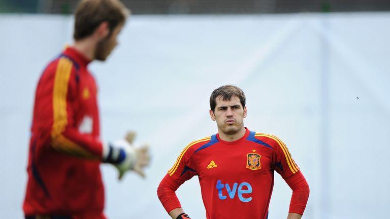 Iker Casillas and David De Gea (L) are Spanish team-mates