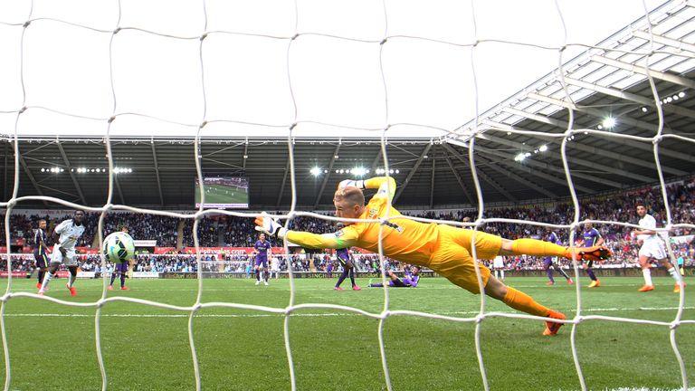 Joe Hart couldn't keep out Gylfi Sigurdsson's strike against Swansea