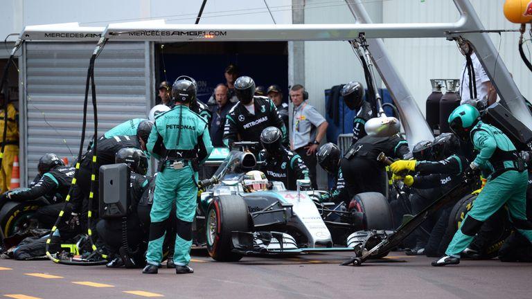 Hamilton makes his late pit stop in Monaco