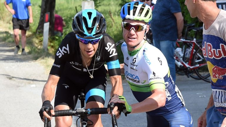 Simon Clarke gave Richie Porte  a wheel after his fellow Australian had punctured