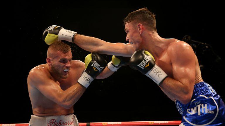 Smith puts Rebrasse under more pressure