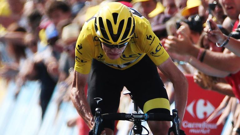 Chris Froome extended his overall lead of the race