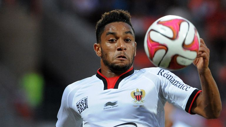 Jordan Amavi has signed a five-year deal with Aston Villa