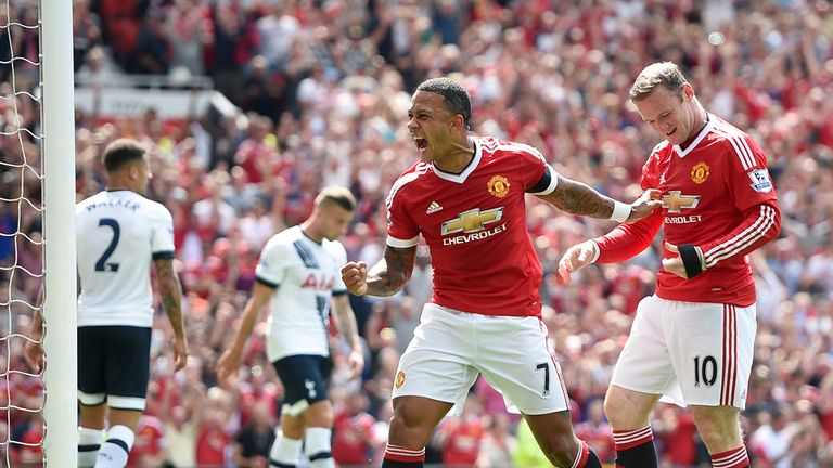 Manchester United's Wayne Rooney (right) and Memphis Depay (middle) celebrate taking the lead