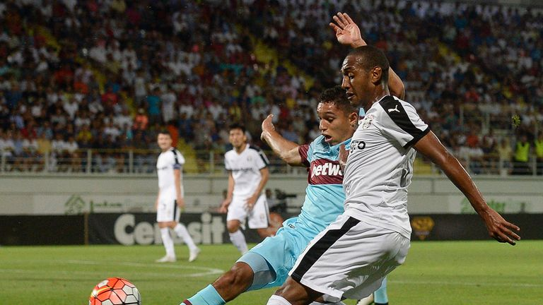 West Ham United's Kyle Knoyle vies for the ball with Astra's William Amorim