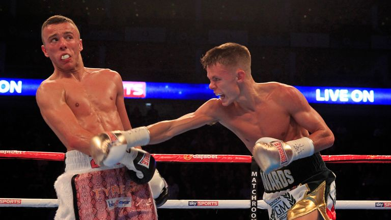 Charlie Edwards out-pointed  Louis Norman to win the English flyweight title