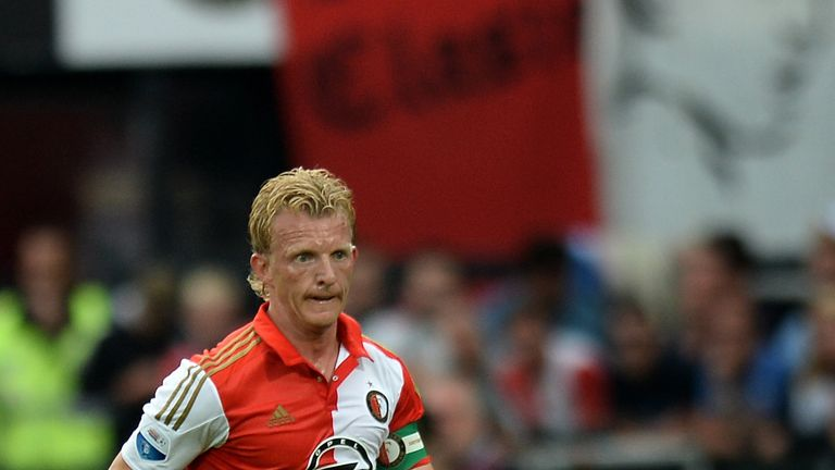 Dirk Kuyt scored as Feyenoord moved up to second with victory over Heracles