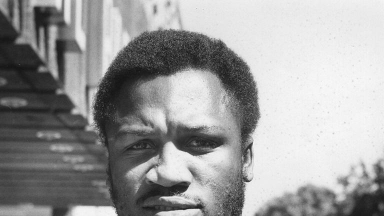 Joe Frazier became a legendary figure in the heavyweight division