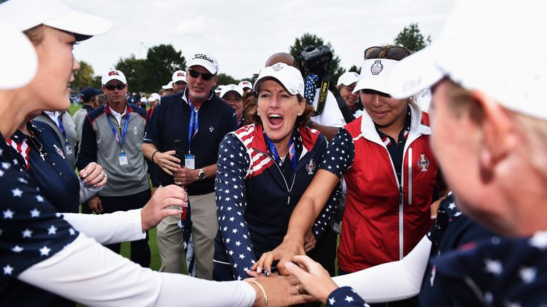 Juli Inkster celebrates Solheim Cup victory with members of her US team
