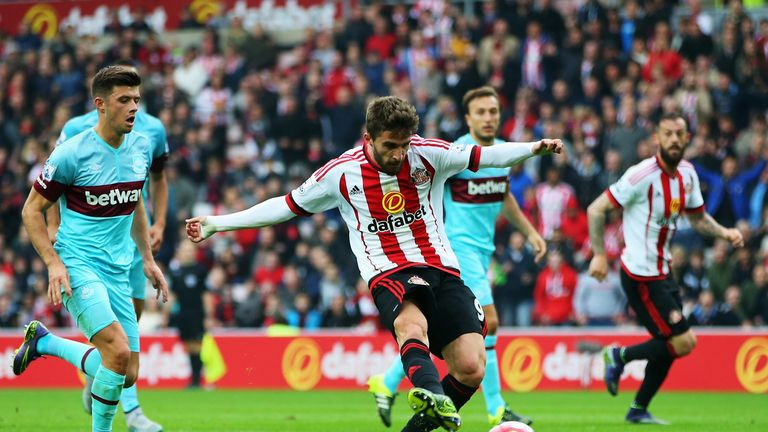 Fabio Borini misses a chance to score a third with Sunderland leading 2-0 in the first half