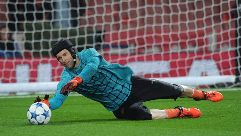 Drogba backs Arsenal - and former team-mate Petr Cech - to win the league