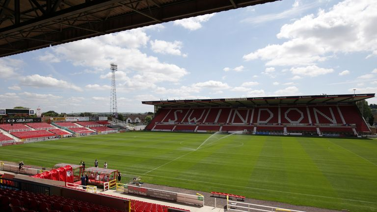 Darnell Furlong has signed for Swindon on a loan deal