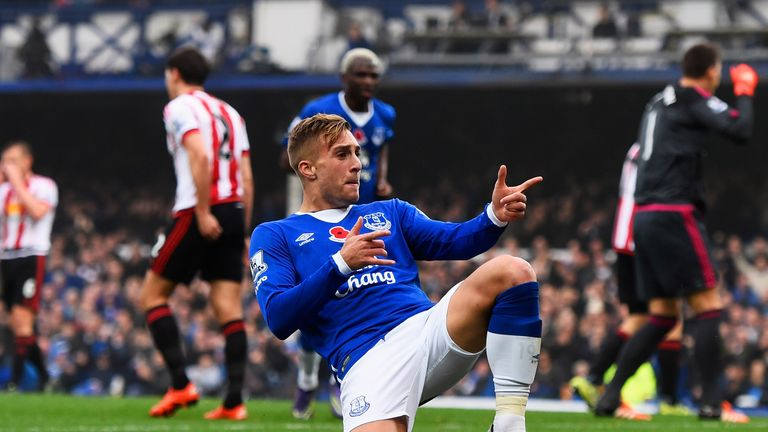 AC Milan remain in talks to sign Gerard Deulofeu on loan, despite telling Everton they will not pay a fee