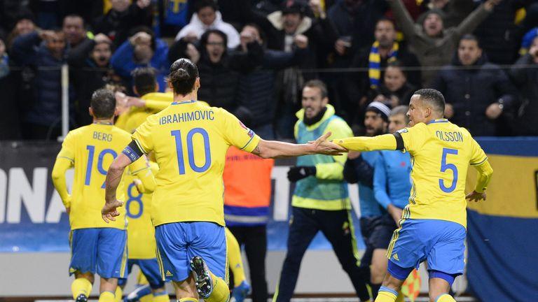 Sweden's celebrate Emil Forsberg's opening goal