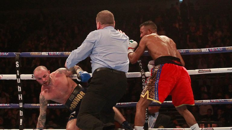 Barroso brought an end to the fight with a ferocious flurry of punches