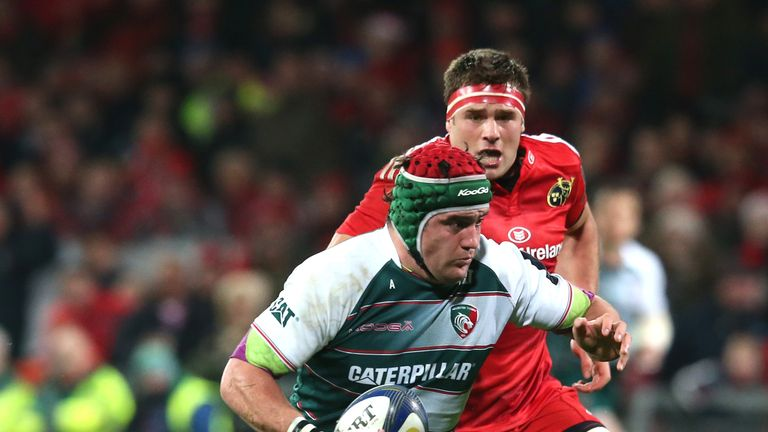 Marcos Ayerza of Leicester can't beat the Munster cover