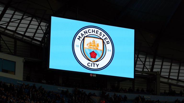 Manchester City have signed a teenage gamer to represent them on FIFA video games