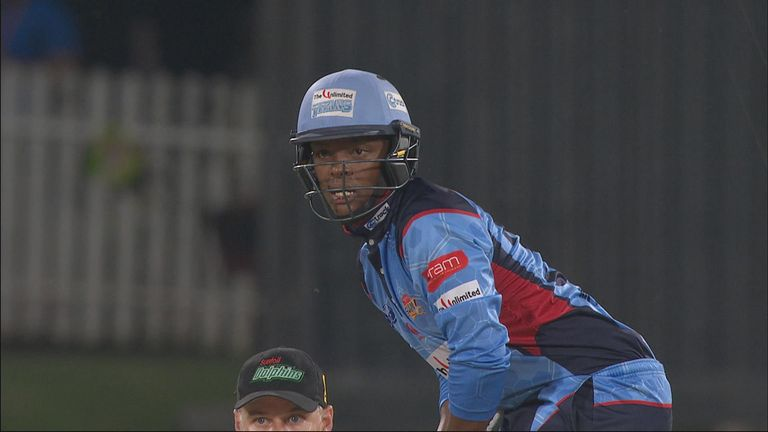 Mangaliso Mosehle bludgeoned 87 from 39 for the Titans