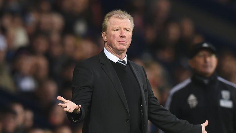 Steve McClaren reacts on the touchline
