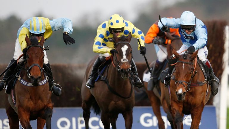 Virak (centre) is on course for the Peter Marsh Chase