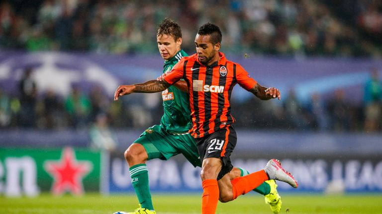 Teixeira (right) wants a January move to the Premier League