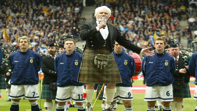 Scotland players sing Flower of Scotland ahead of international at Hampden