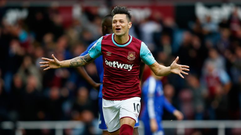 Mauro Zarate has left West Ham for Serie A side Fiorentina