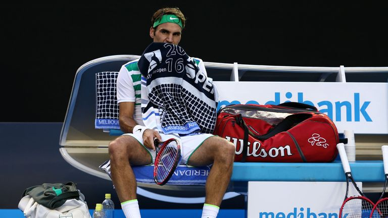 Roger Federer breezed through to the Australian Open second round