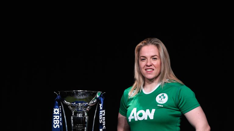 Niamh Briggs will captain Ireland Women against France