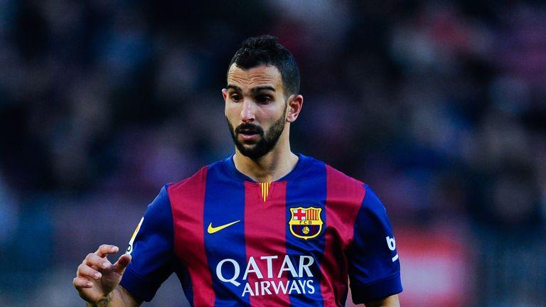 Barcelona youth-team product Martin Montoya joins Valencia