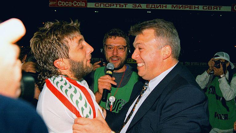 Trifon Ivanov (left) and Bulgarian head coach Hristo Bonev in 1997