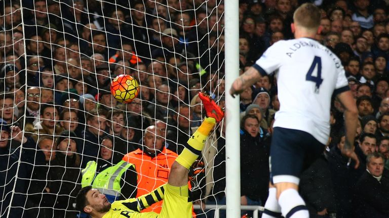Tottenham goalkeeper Hugo Lloris is beaten by Antonio's header