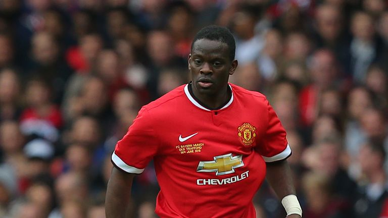 Louis Saha expects Manchester United to replace Louis van Gaal this summer