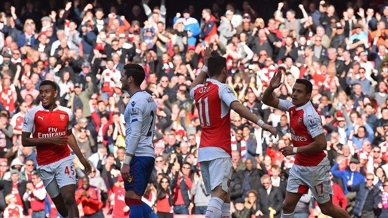 Sanchez celebrates after heading past Wayne Hennessey