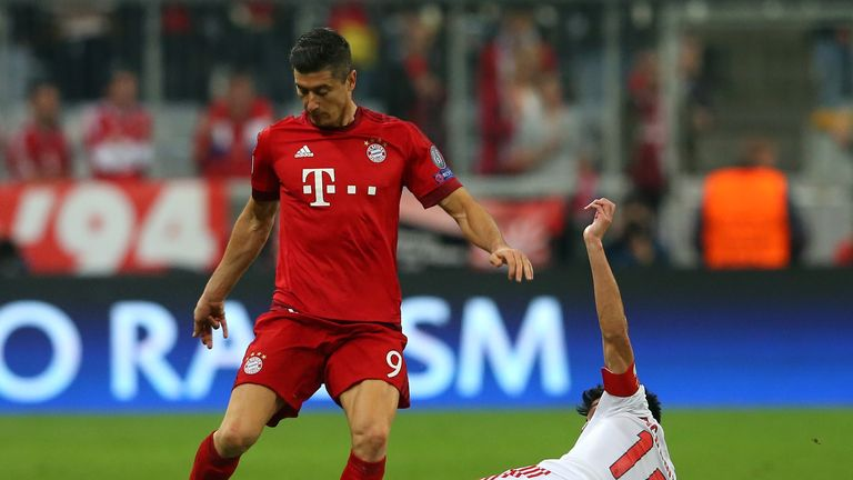 Robert Lewandowski is waiting for Real Madrid to come in for him, says Balague