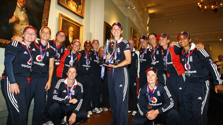 Charlotte Edwards (centre) captained England to Ashes success in 2009