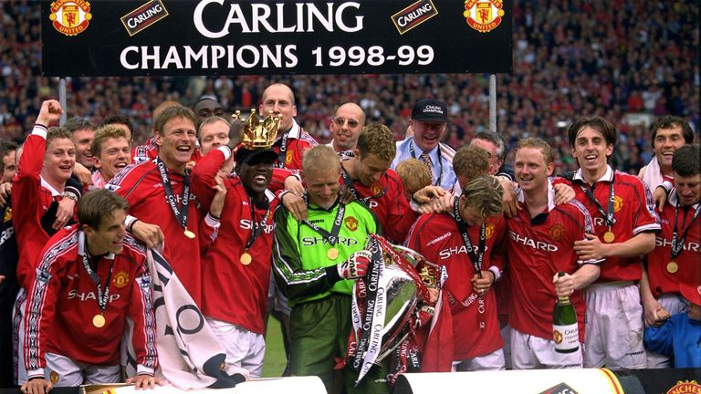 bd6db4975 Manchester United won the Premier League title for the first time at Old  Trafford in 1998