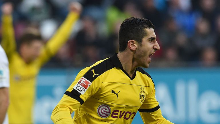 Manchester United transfer target Henrikh Mkhitaryan to see out Borussia Dortmund contract