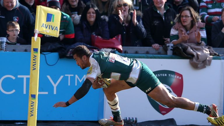 Peter Betham scores Leicester's fourth try against Gloucester