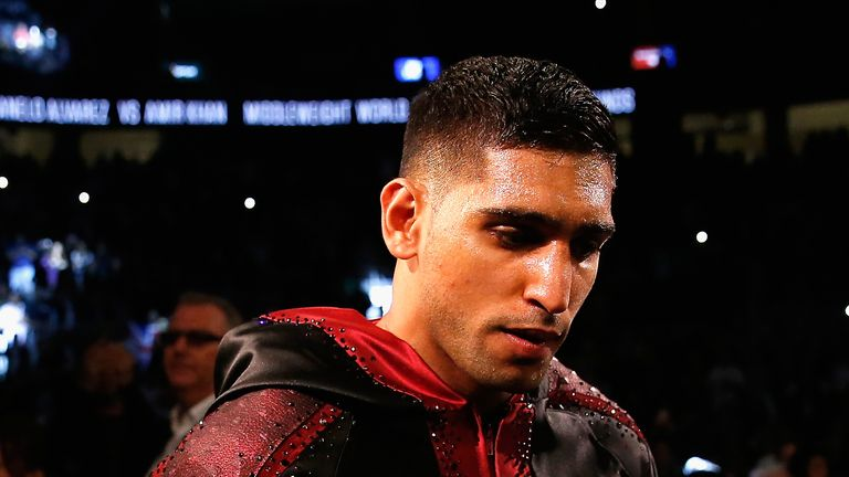Amir Khan says he would welcome the opportunity to fight for Pakistan in Rio